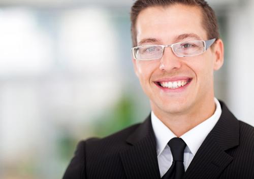 businessman-with-glasses_34014883.jpg